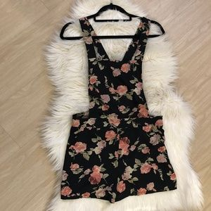 Forever 21 Floral Romper Size Small